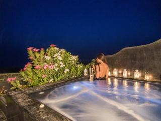 OIA SUNSET VILLAS - villa TURQUOISE - Pool & Spa - Santorini vacation rentals