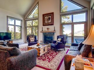 Right on the slopes - Ski in/out, walking distance to Gondola - The Emerald Elk at Village Creek - South Lake Tahoe vacation rentals
