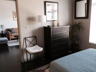 Modern 1 BR in coastal Downtown Long Beach - Long Beach vacation rentals