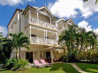 Beachfront Fathom's End with lush garden, plunge pool & private beach path - Paynes Bay vacation rentals