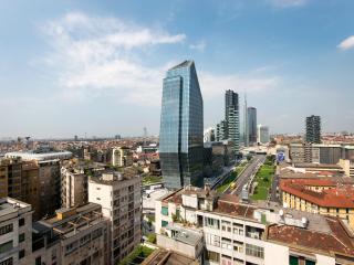 Suitelowcost - Repubblica luxury at 15th floor! - Milan vacation rentals