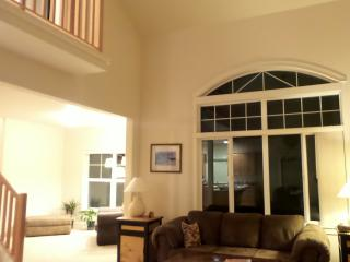 VIEW!  Vaulted Ceiling 3 Bd 2.5bth HOME - Bend vacation rentals
