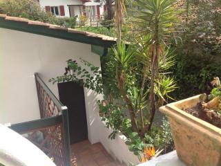 Chambre independante  dans Jardin - Saint-Jean-de-Luz vacation rentals