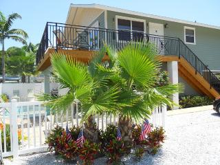 Anna Maria Island Beach Paradise (April Special)) - Holmes Beach vacation rentals
