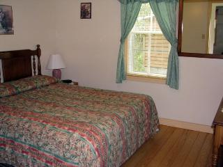 Deep Cove Cottage - Anchorage House - Hubbards vacation rentals