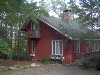 Hoot Owl Hollow - Chalet * Great Views * Private* - Highlands vacation rentals