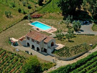 villa in campagna a san gimignano - San Gimignano vacation rentals