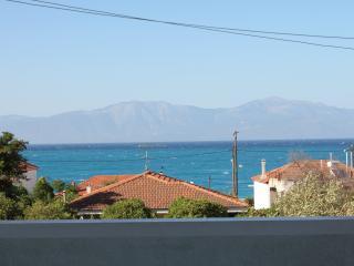 Beach house -3 min from the sea - Xylokastro vacation rentals