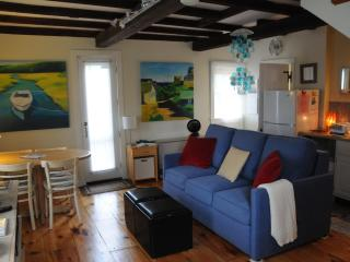 Periwinkle Cottage - Units 1 & 2 - 1BR, sleeps 2 - North Shore Massachusetts - Cape Ann vacation rentals