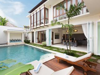 Luxury 4 BR Villa Alaya At Drupadi Seminyak - Seminyak vacation rentals
