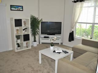 1BR Clearwater Avalon Apartment on groundfloor - Clearwater vacation rentals