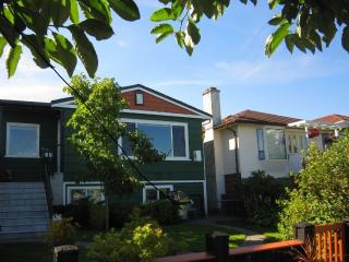 LARGE suite in quiet neighborhood close to transit - Vancouver vacation rentals