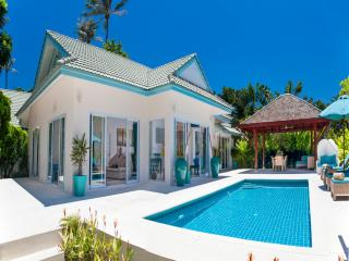 Baan Khwam Rak 3 Bedroomed Luxury Beach Villa - Koh Samui vacation rentals