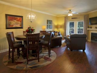 Luxurious 2 Br Condo In The Heart Of Pigeon Forge! - Sevier County vacation rentals