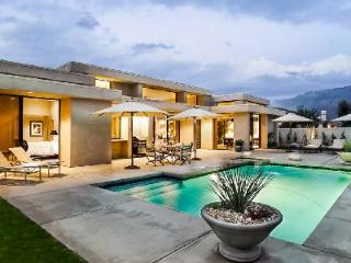Contemporary Dream on a premier golf course, features pool, spa, mountain views & close to hiking - Palm Springs vacation rentals