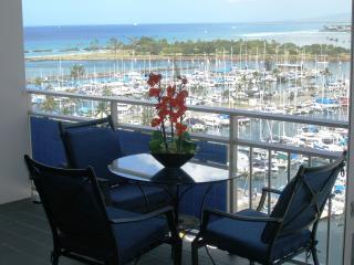 New Breathtaking Beachfront Condo, custom design, - Honolulu vacation rentals