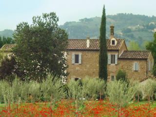 AGRITURISMO IL MOLINO DELLA CAGNOLETTA  - UMBRIA - Bettona vacation rentals