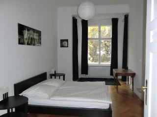 Lovely 3 rooms(2 bedrooms)-95m2-Charlottenburg - Berlin vacation rentals