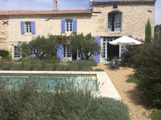 Stunning 4 Bedroom Provence Farmhouse, Pool & Village Life - Fontvieille vacation rentals