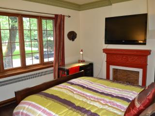 Private BR 5min from UdM & HEC (A) - Montreal vacation rentals