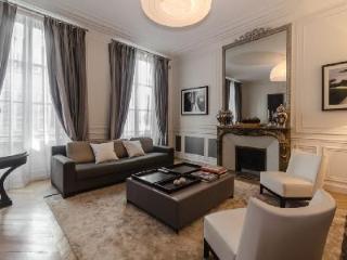 Classically chic Parisian apartment Le Bourgogne steps from Paris landmarks - 7th Arrondissement Palais-Bourbon vacation rentals