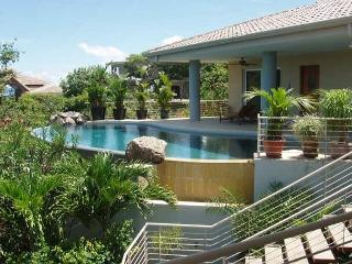 Dragonfly Hill -4 bedrooms and 3.5 bathrooms plus self-contained apartment - Playa Hermosa vacation rentals