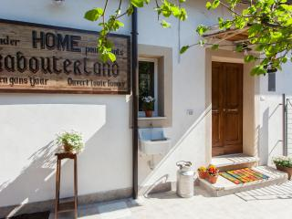 Green House Colosseo - Rome vacation rentals