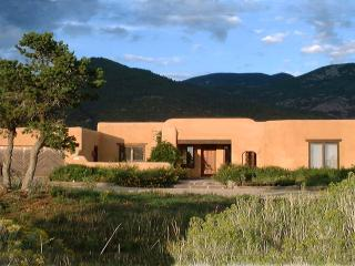 Casa Coyote-Adobe Home-Tennis/Indoor Pool/Spa/Ski - Arroyo Seco vacation rentals