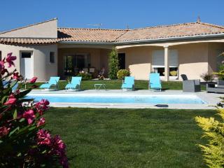 Les Roses Trémières - Meschers-sur-Gironde vacation rentals