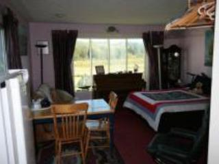 Beach Niche Middle Deck Suite - Dartmouth vacation rentals