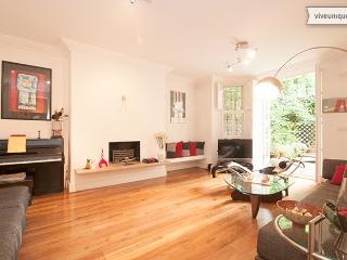 3 Bedroom Garden Apartment, Arkwright Road, Hampstead - London vacation rentals