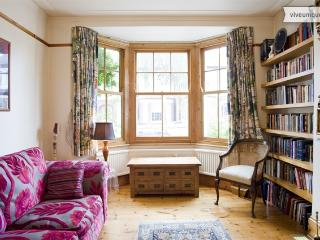 2 Bedroom English Cottage - Strand on the Green - Chiswick - London vacation rentals