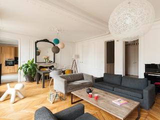 Rue d'Amsterdam III - Paris vacation rentals