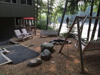 Lincoln - Loon Mtn 4-season Resort...on The River! - Lincoln vacation rentals
