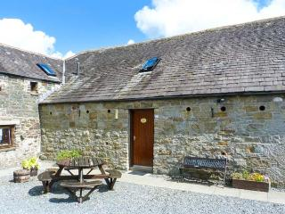 THE BYRE, pet-friendly cottage, off road parking, ideal for families, near Newton Stewart, Ref. 26255 - Gatehouse of Fleet vacation rentals