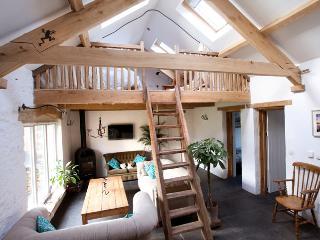 Pet Friendly Holiday Cottage - Bangeston Barn, Angle - Angle vacation rentals