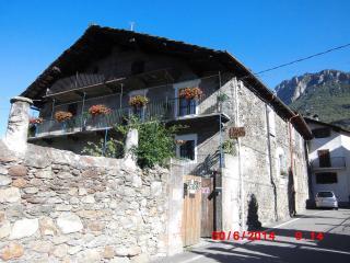 la casa antica - Pont-Saint-Martin vacation rentals