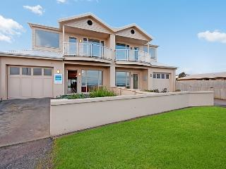 SOUTHERN SURF TOWNHOUSE - Koroit vacation rentals