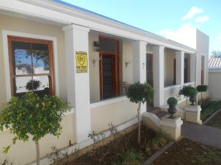 AMAZING GRACE SELF CATERING - Grahamstown vacation rentals