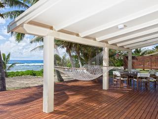 """AKAORA VILLA  """"Absolute Beach Front"""" - Rarotonga vacation rentals"""