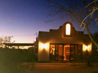 Bohemian Desert Chic - wifi, hdtv, close to park. - Joshua Tree vacation rentals