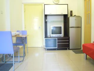 Tidy 2 Bedroom at Mong Kok Close to MTR in Hong Kong - Hong Kong Region vacation rentals