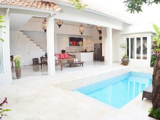 Santai Batubelig Villa - Bali vacation rentals