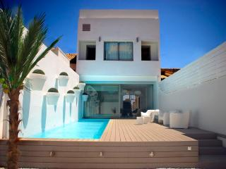 Villa, Swimming pool and beach in Valencia City!!! - Valencia vacation rentals