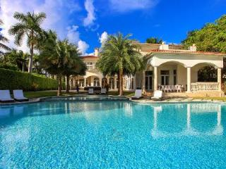 Magnificent estate Villa Blanca has pools, spa, spacious terrace & boat deck - Miami vacation rentals