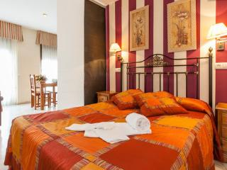 [2] Studio apartments in the heart of Córdoba - Cordoba vacation rentals