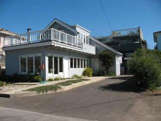 320/Yacht Harbor House *WALK TO HARBOR* - Santa Cruz vacation rentals