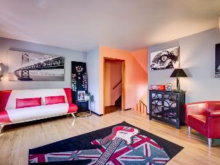 CASTLE B: Mid-Century Magic  (420 Friendly) - Boulder vacation rentals