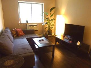 Zen Apartment ~ Sleeps 4 ~ 1 Block from Subway - Woodside vacation rentals