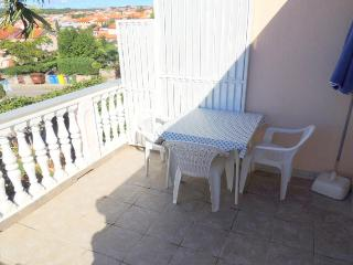 Crep(928-2031) - Malinska vacation rentals